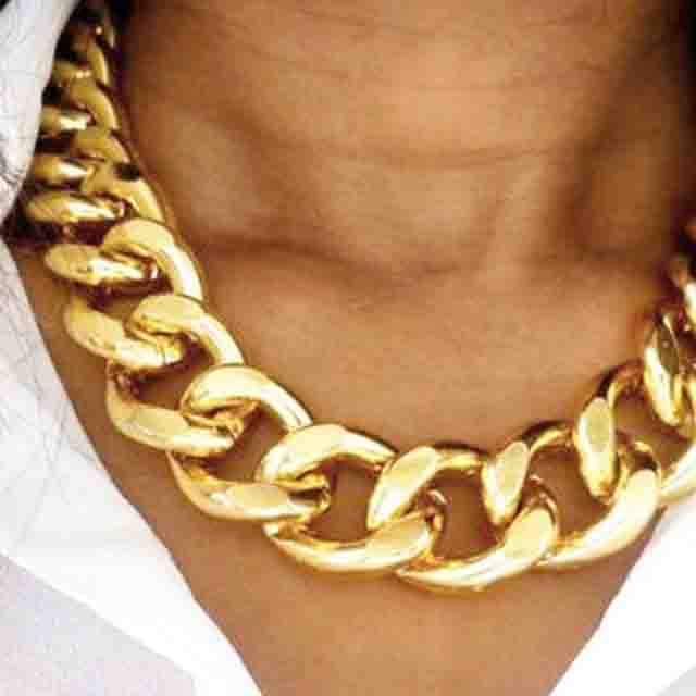 Oversized Gold Chain Necklaces, Fashion Trends for women's. Fashion, Trends, women
