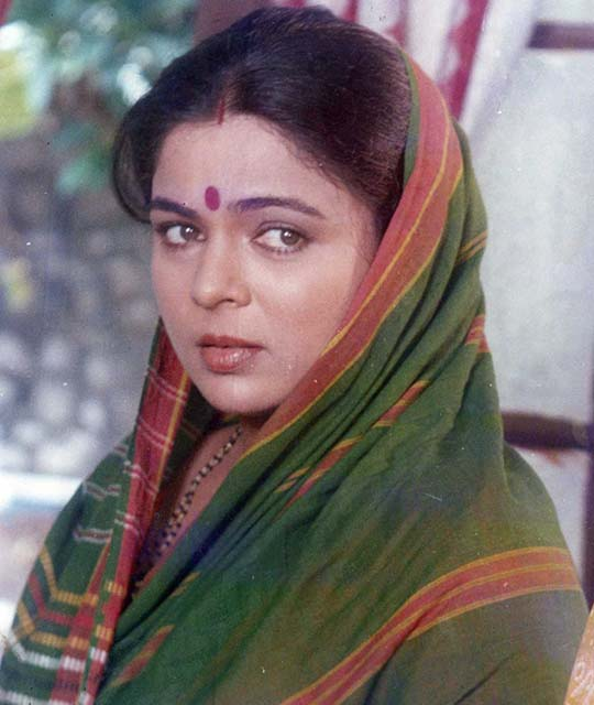 Reema Lagoo, Played the Role of Mother in Bollywood Movies