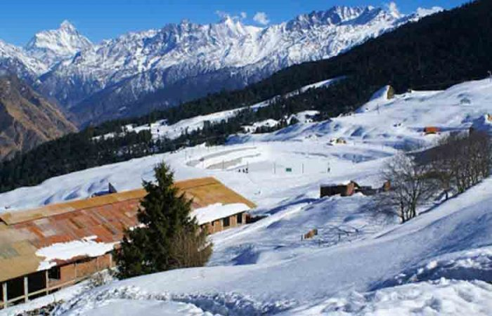 Auli, 7 Places in India to see snowfall